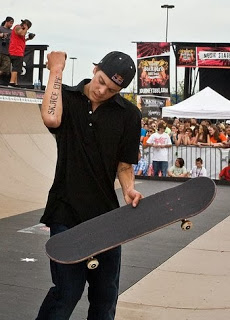 http://commons.wikimedia.org/wiki/File:Ryan_Sheckler_Croop.jpg